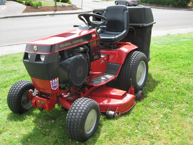 Tips To Choose The Best Garden Tractor